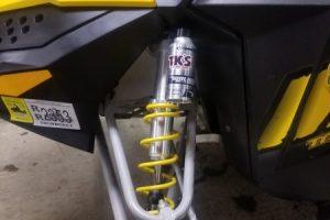 installed closeup - Skidoo Front clicker Walker Evans piggyback needle shocks
